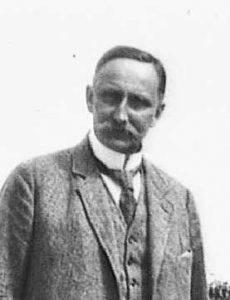 Карл Ха́усхофер